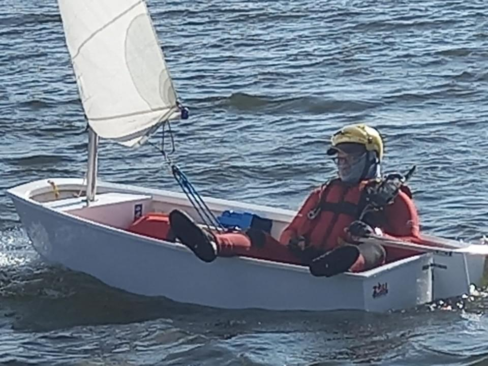 "Witbank Yacht Club members take to the water in ""bathtubs"""